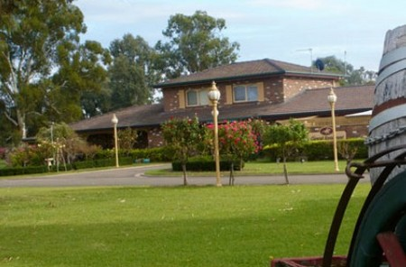 Carriage House Motor Inn - Tourism Adelaide