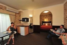 Highlander Motor Inn And Apartments - Tourism Adelaide