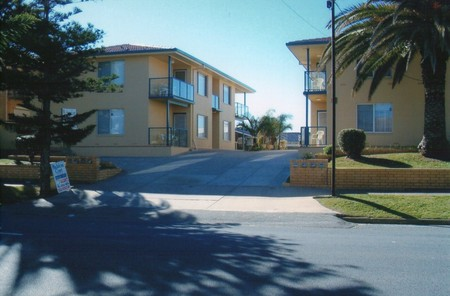 AA Madalena Court Holiday Apartments - Tourism Adelaide