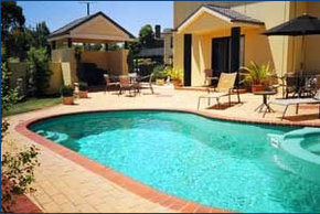Hopkins House Motel  Apartments - Tourism Adelaide