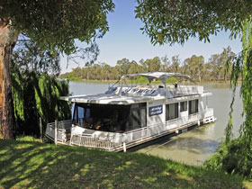 Moving Waters Self Contained Moored Houseboat - Tourism Adelaide