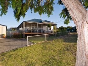 Serenity Holiday House - Tourism Adelaide