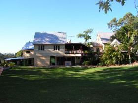Glasshouse Mountains Ecolodge - Tourism Adelaide