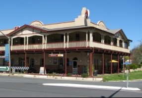 The Royal Hotel Adelong - Tourism Adelaide