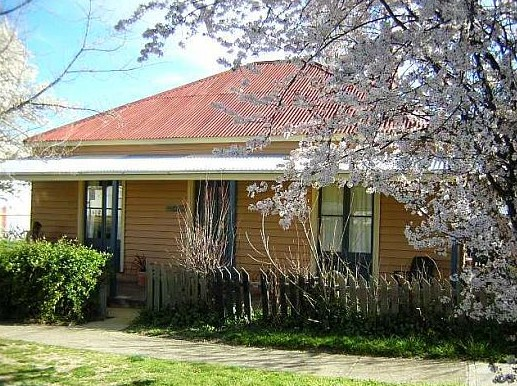 Cooma Cottage - Accommodation - Tourism Adelaide
