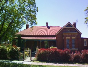 Tumut Accommodation Sefton House - Tourism Adelaide