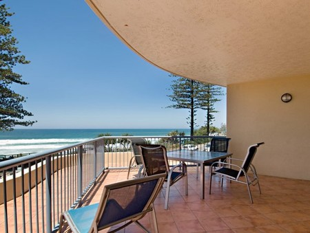 Coolum Baywatch Resort - Tourism Adelaide