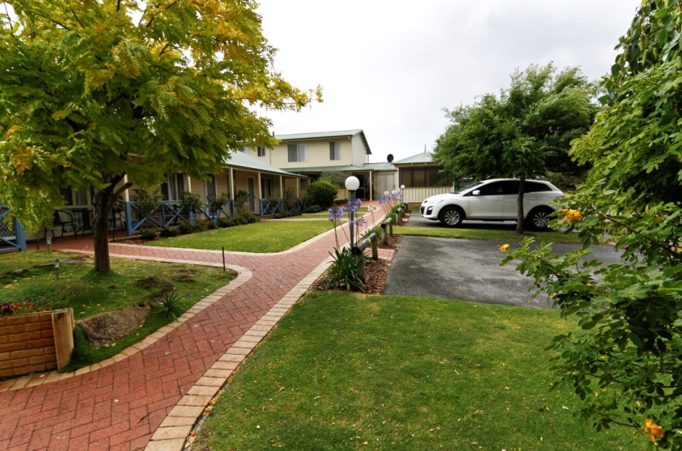 Park Avenue Holiday Units - Tourism Adelaide