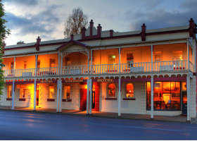 Royal George Hotel - Tourism Adelaide