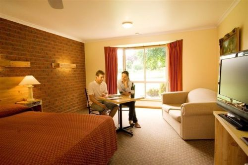 AAt 28 GOLDSMITHGolden Chain Motel - Tourism Adelaide