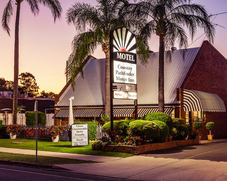 Country Pathfinder Motor Inn - Tourism Adelaide