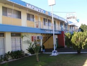 Monto Three Moon Motel