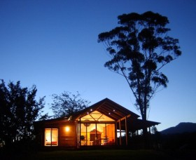 Promised Land Cottages - Tourism Adelaide