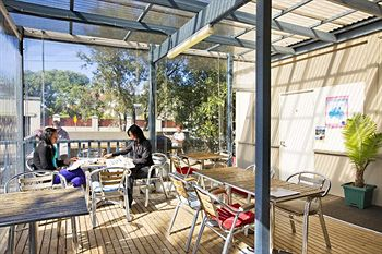 Cambridge Lodge - Hostel/Backpacker - Tourism Adelaide