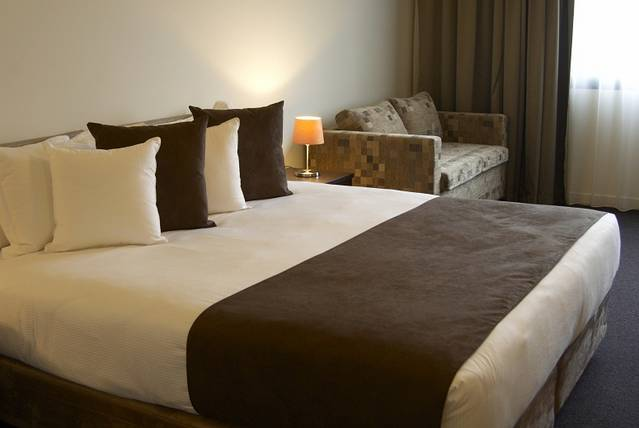 Quality Hotel Tabcorp Park - Tourism Adelaide