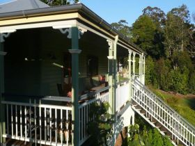 The Sanctuary Springbrook. Guest House / Cottage - Tourism Adelaide