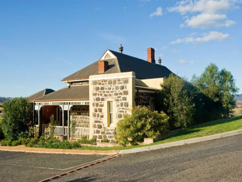 Hermitage Hill Resort - Tourism Adelaide