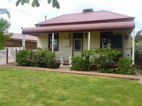 Country Cottages BB - Tourism Adelaide