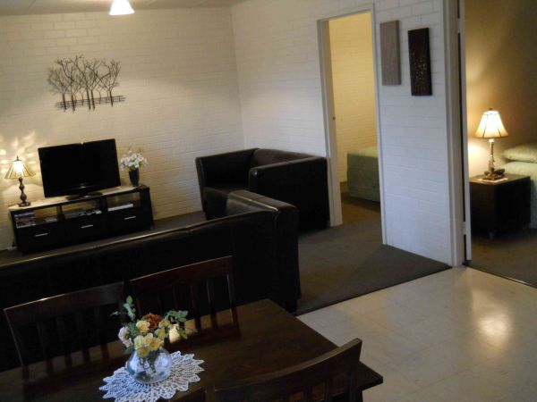 BJs Short Stay Apartments - Tourism Adelaide