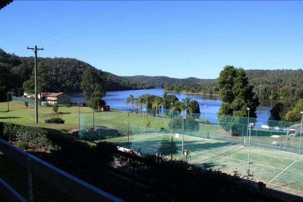 Juniors on Hawkesbury - Tourism Adelaide