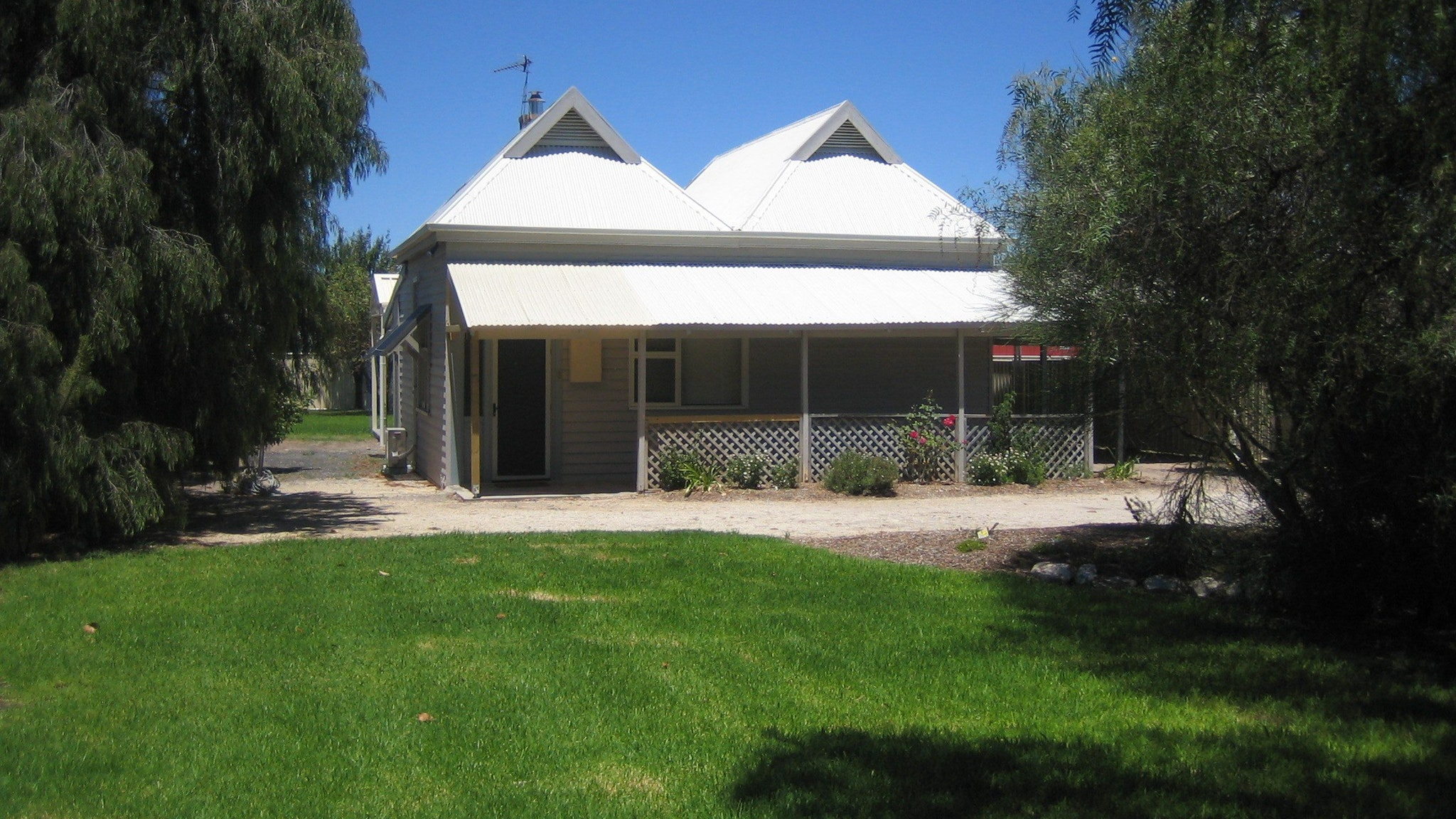 Naracoorte – Showgrounds Cottage