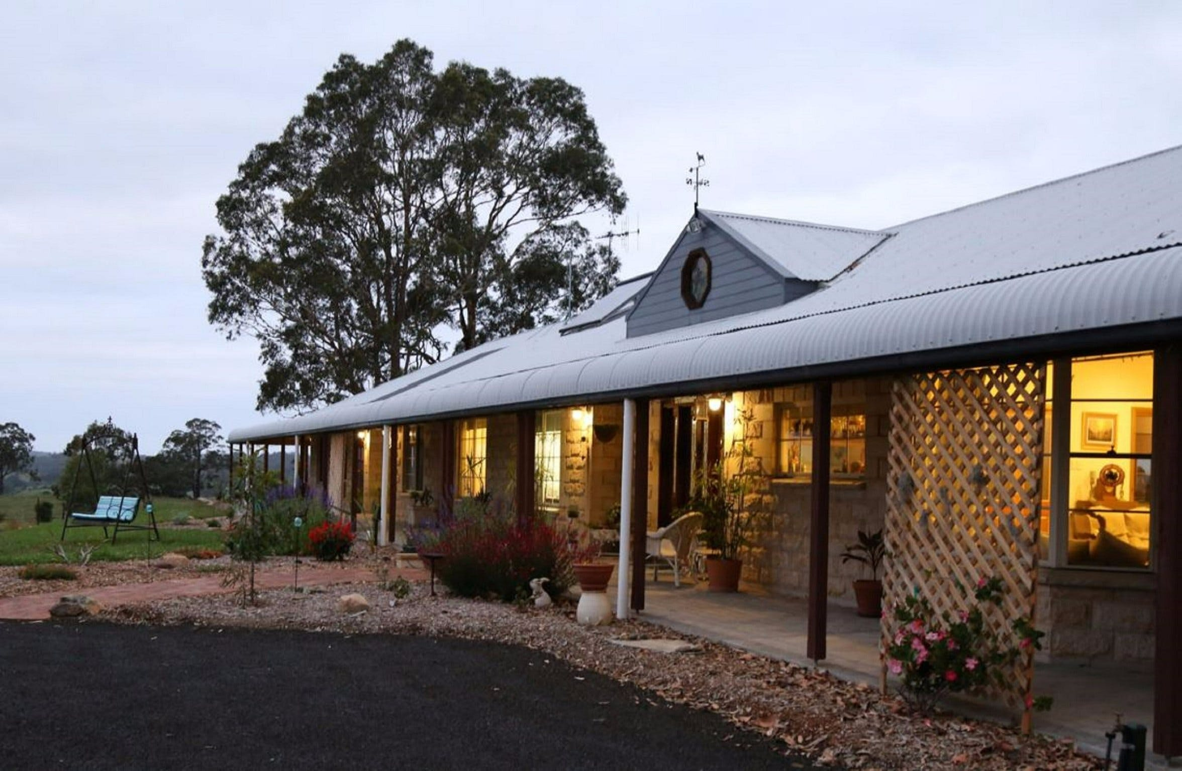BellbirdHill Bed and Breakfast - Tourism Adelaide