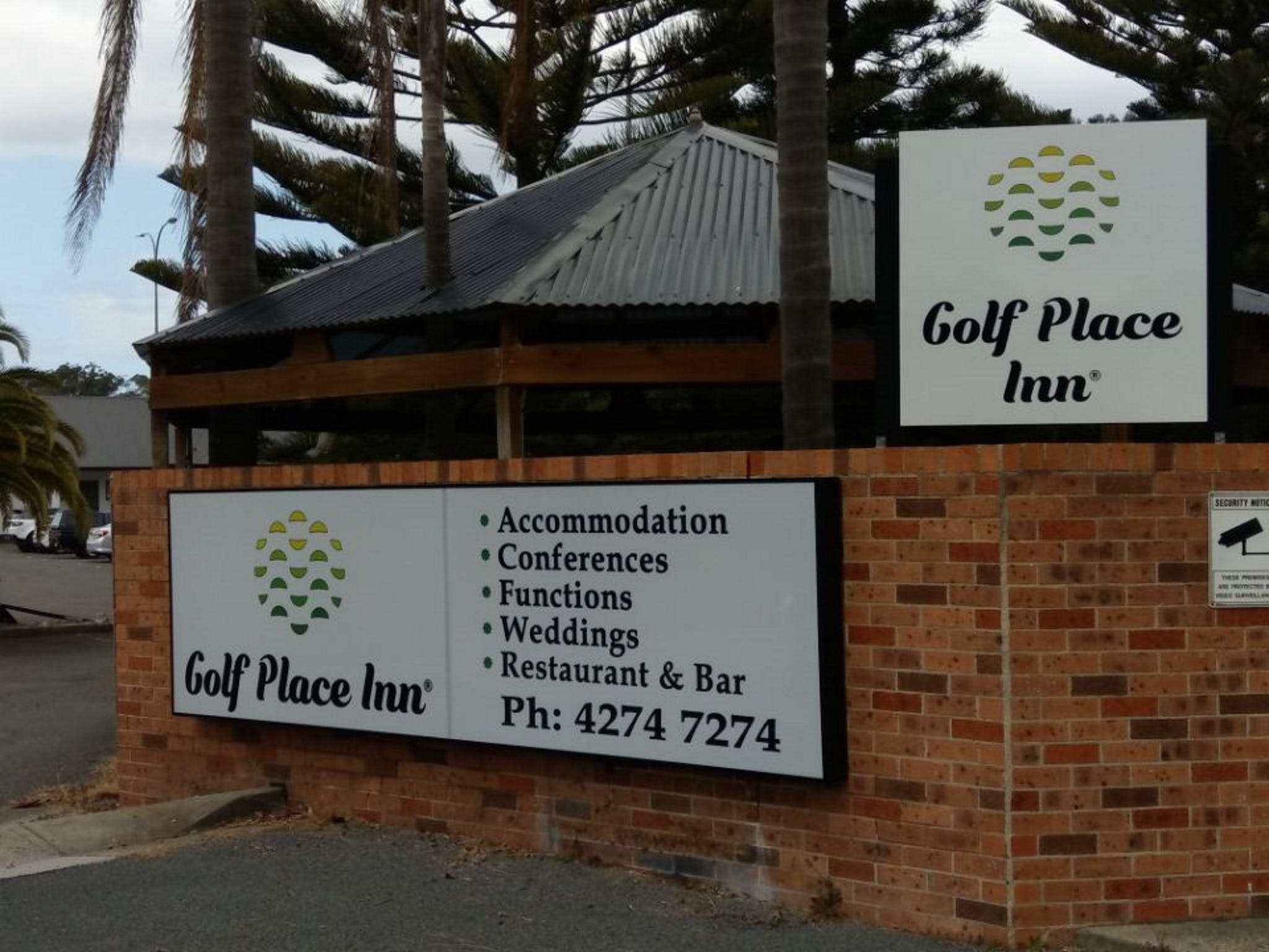 Golf Place Inn - Tourism Adelaide