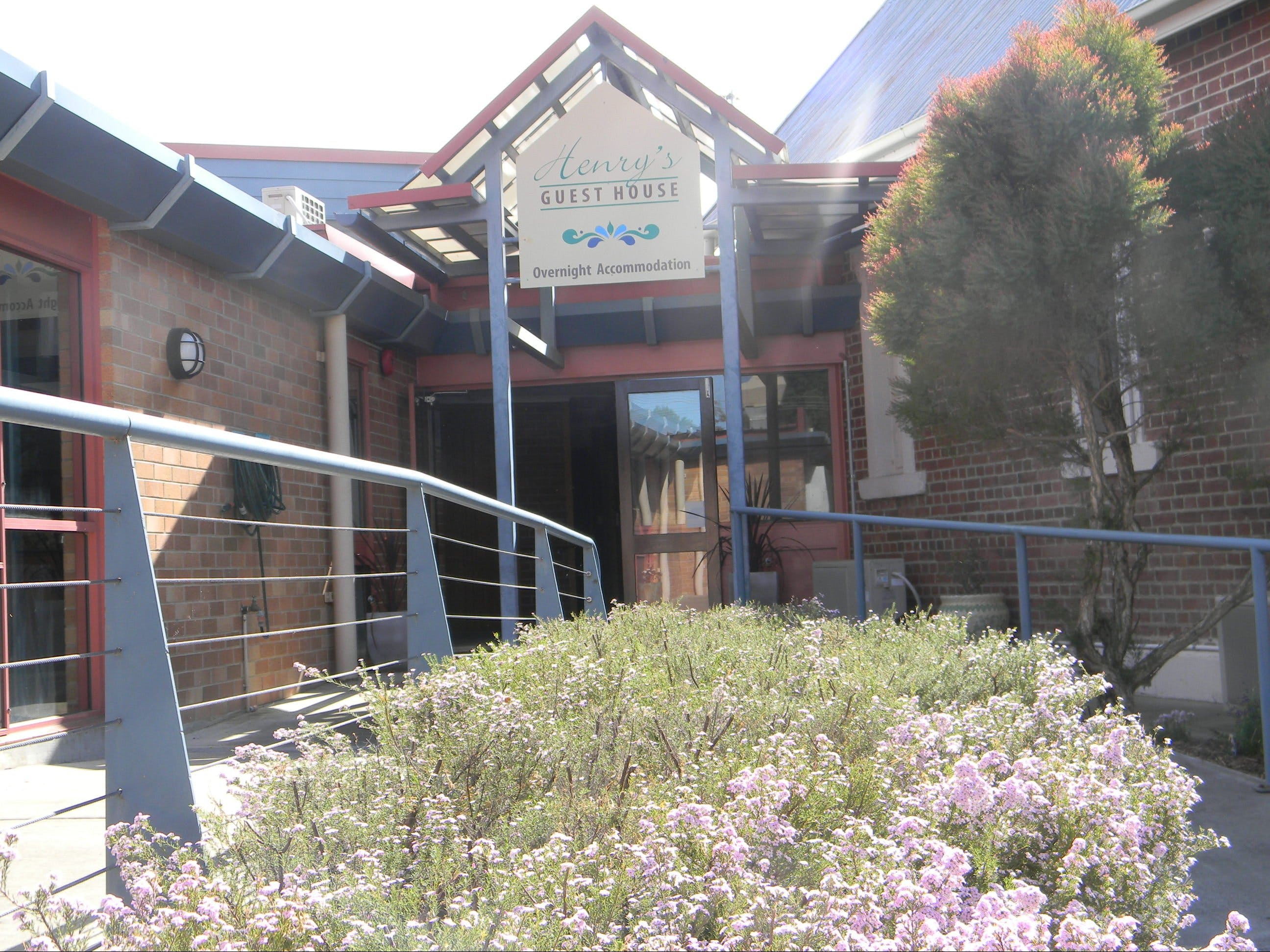 Henry's Quirindi Quality Accommodation - Tourism Adelaide