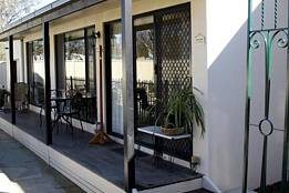 Courtside Cottage Bed and Breakfast - Tourism Adelaide