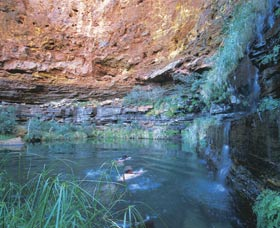 Dales Gorge and Circular Pool - Tourism Adelaide