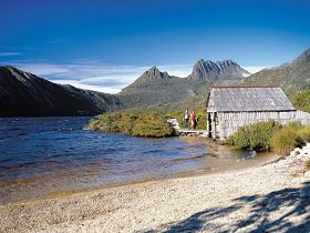 Dove Lake Circuit - Tourism Adelaide