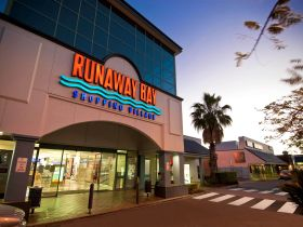 Runaway Bay Shopping Village - Tourism Adelaide