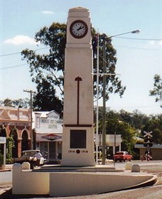 Goomeri War Memorial Clock - Tourism Adelaide