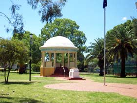 Kingaroy Memorial Park - Tourism Adelaide