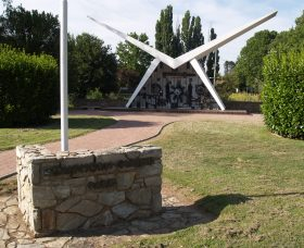 Southern Cloud Memorial - Tourism Adelaide