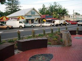Maleny Handicraft Markets - Tourism Adelaide