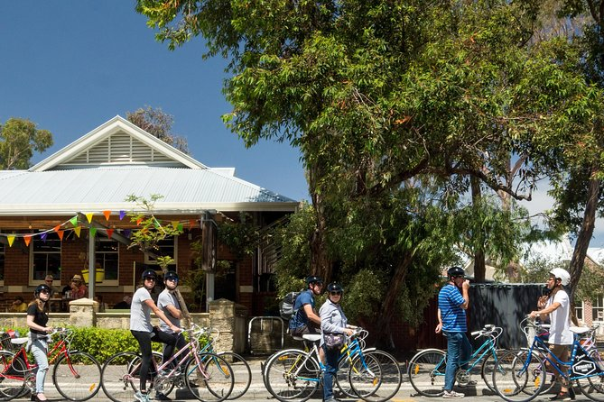 Explore Freo the local way on our 3 hour bike tour - Tourism Adelaide