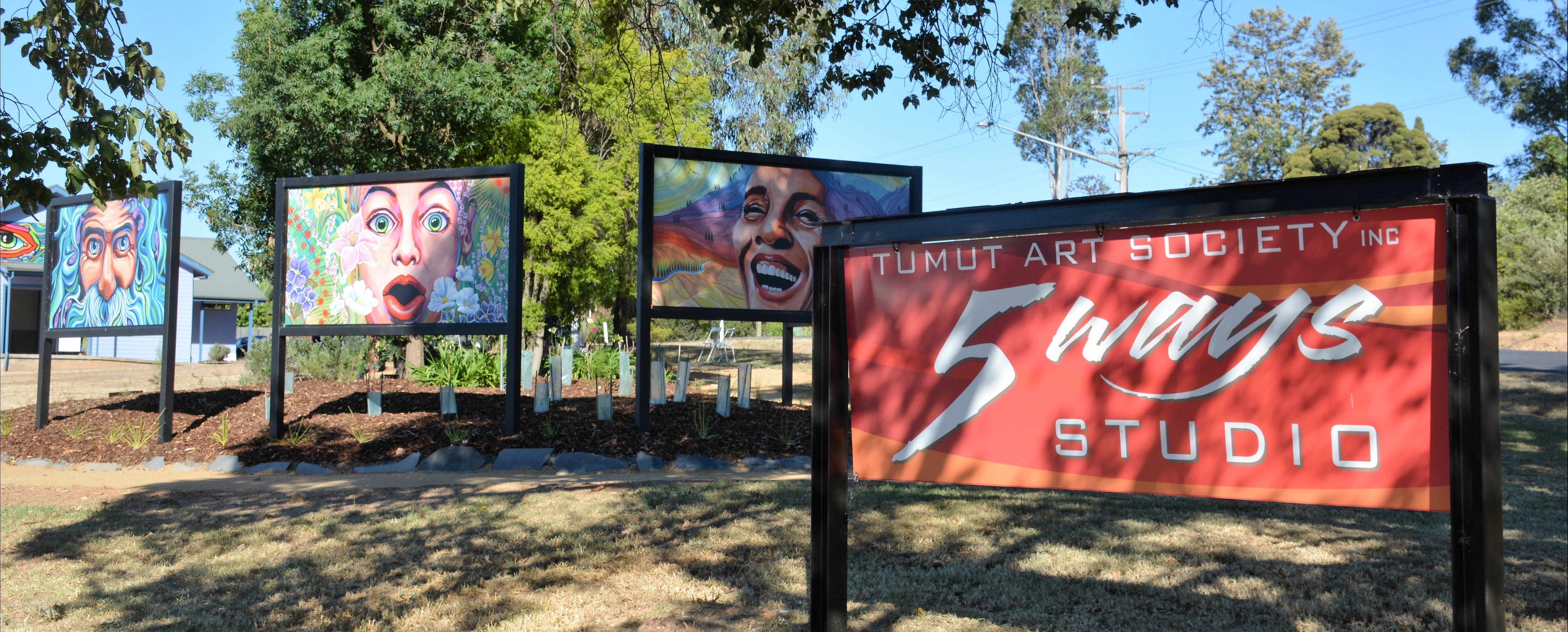 Tumut Art Society 5Ways Gallery - Tourism Adelaide