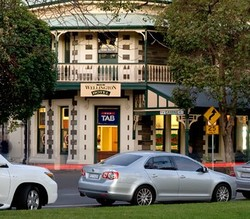 The Wellington Hotel - Tourism Adelaide