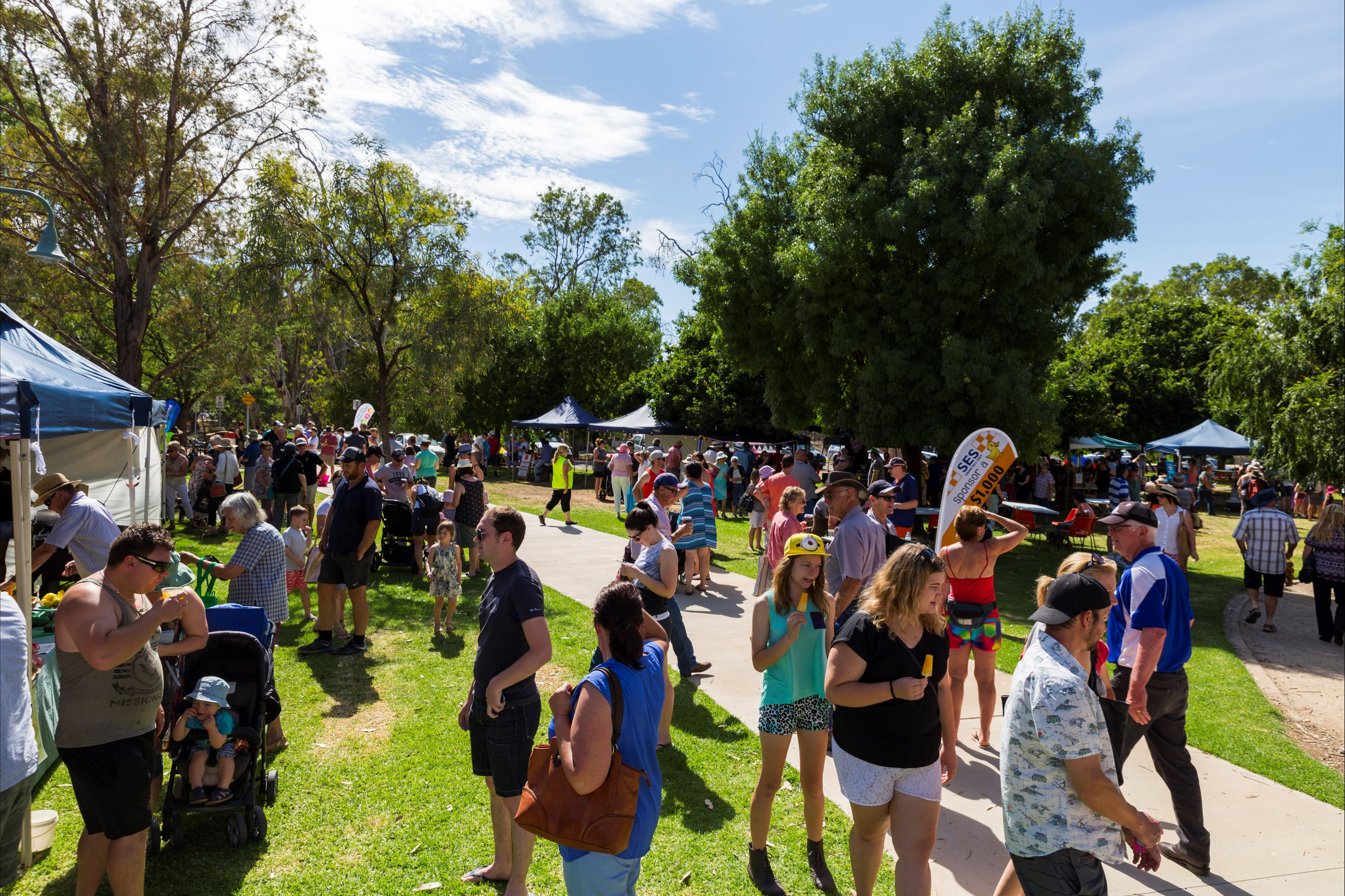 Swan Hill Farmers Market - Tourism Adelaide