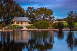 Stonewell Cottages and Vineyards - Tourism Adelaide