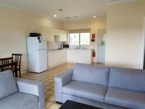 Marion Bay Holiday Villas - Tourism Adelaide
