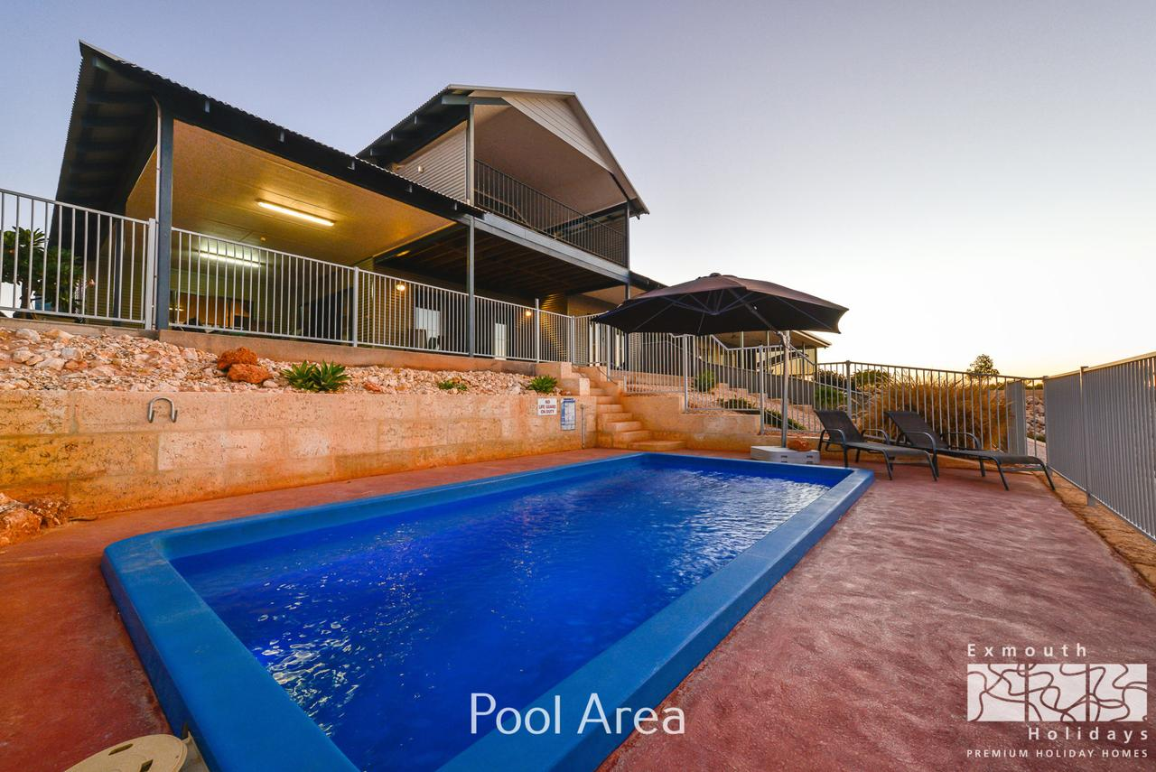 3 Kestrel Place - PRIVATE JETTY  POOL - Tourism Adelaide