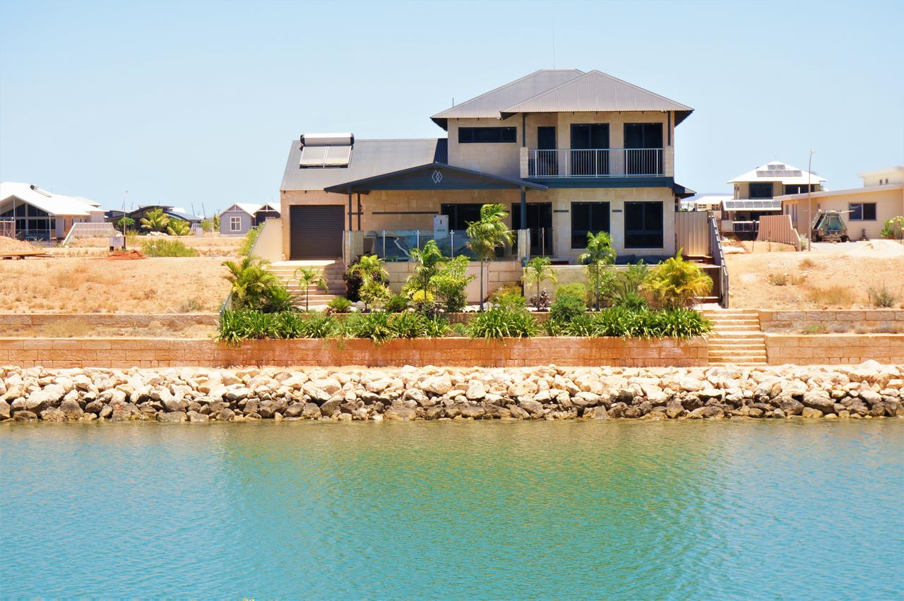 27 Corella Court - Exquisite Marina Home With a Pool and Wi-Fi - Tourism Adelaide