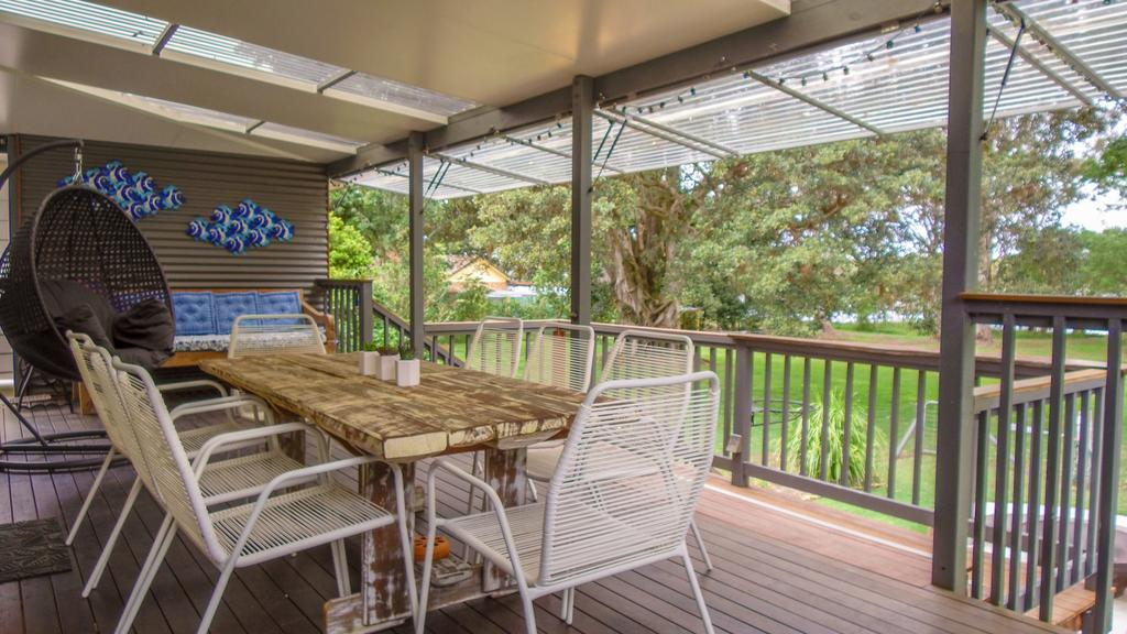 'RIVERSIDE RETREAT' 544 Ocean Drive North Haven - Tourism Adelaide